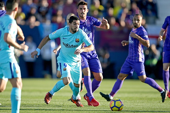 Suarez lap cu dup, Barca tam bo xa Real 11 diem hinh anh 14