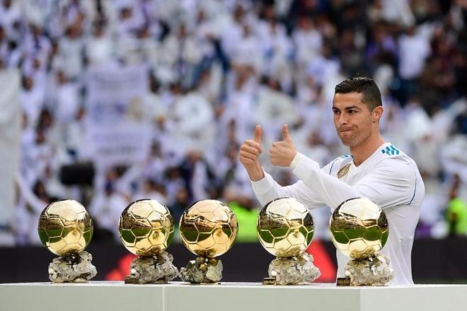 Real Madrid 5-0 Sevilla: Ronaldo lap cu dup mung bong vang hinh anh