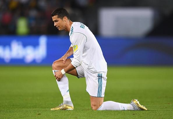 Ro tin don Ronaldo vang mat o El Clasico hinh anh