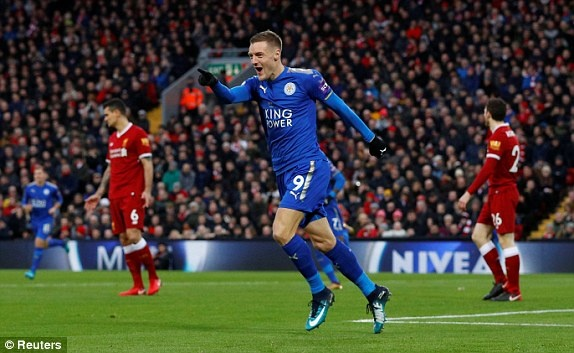 Chelsea tam vuot MU, Liverpool nguoc dong thang Leicester hinh anh 15
