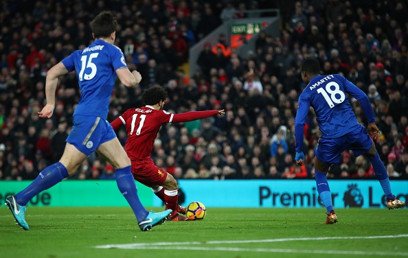 Chelsea tam vuot MU, Liverpool nguoc dong thang Leicester hinh anh 24