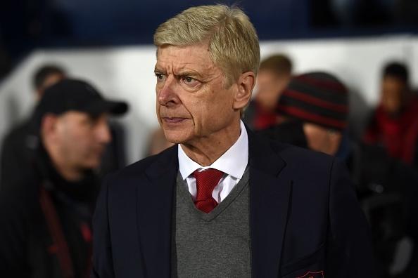 Arsenal bi go hoa phut 89 trong ngay HLV Wenger vuot Sir Alex hinh anh