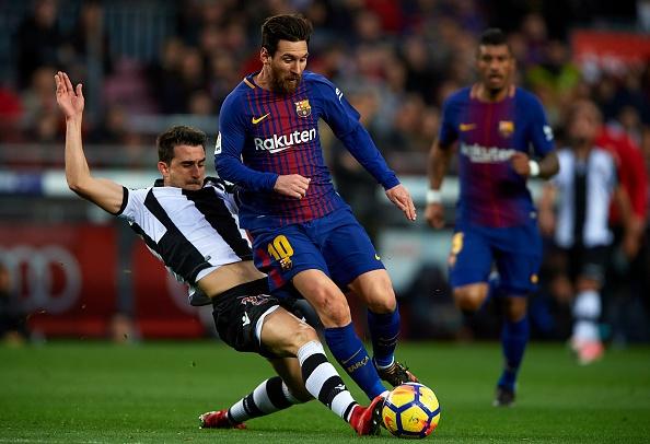 Messi toa sang, Barca thang dam de bo xa Real 17 diem hinh anh 15