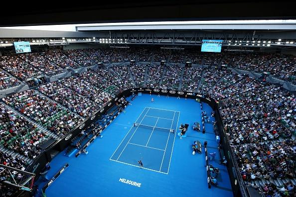 Nadal tro lai phong cach ao ba lo o Australian Open hinh anh 1