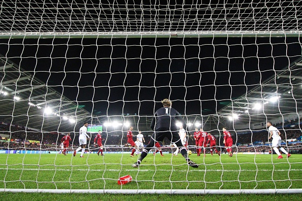 Liverpool dut mach 18 tran bat bai khi thua doi bet bang hinh anh 3