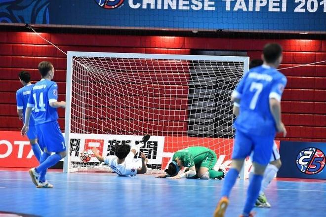 Han Quoc thua 2-13 truoc Uzbekistan o giai futsal chau A hinh anh 2