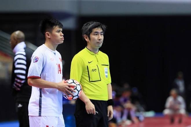 Thua Uzbekistan 1-3, futsal Viet Nam dung chan o tu ket hinh anh 3