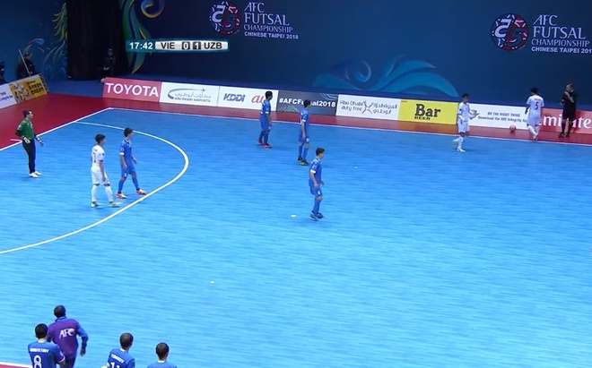 Thua Uzbekistan 1-3, futsal Viet Nam dung chan o tu ket hinh anh 6