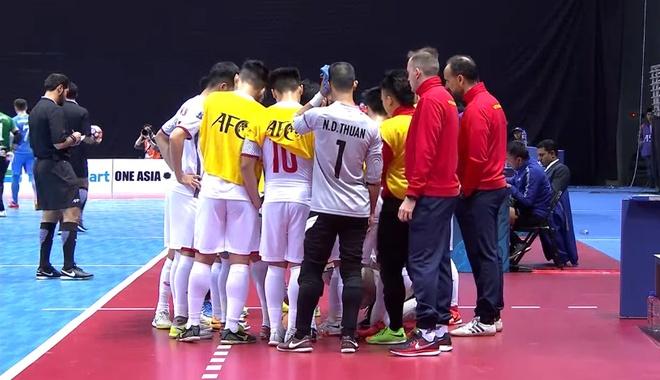 Thua Uzbekistan 1-3, futsal Viet Nam dung chan o tu ket hinh anh 5