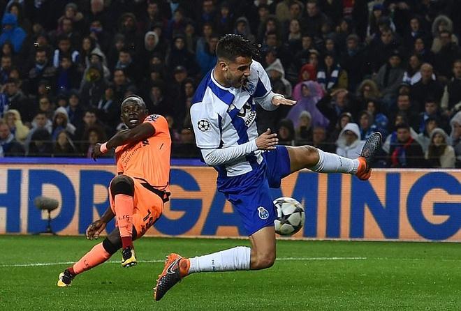 Thang dam Porto 5-0 tren san khach, Liverpool tien sat ve tu ket hinh anh 4