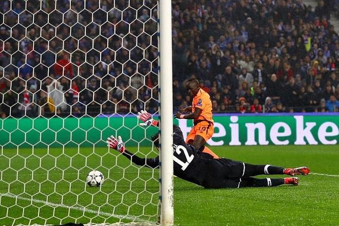 Thang dam Porto 5-0 tren san khach, Liverpool tien sat ve tu ket hinh anh 7