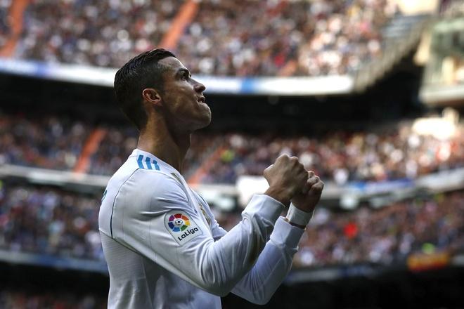 Eibar 1-2 Real Madrid: Ronaldo toa sang voi cu dup hinh anh 10
