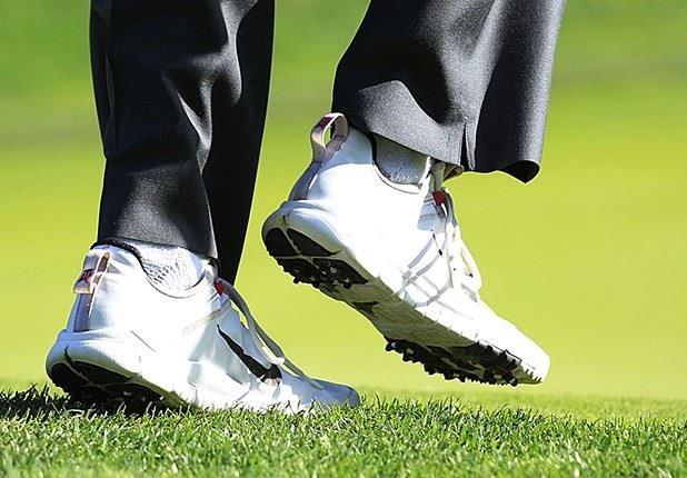 Tiger Woods va phong cach thoi trang cua huyen thoai golf the gioi hinh anh 9
