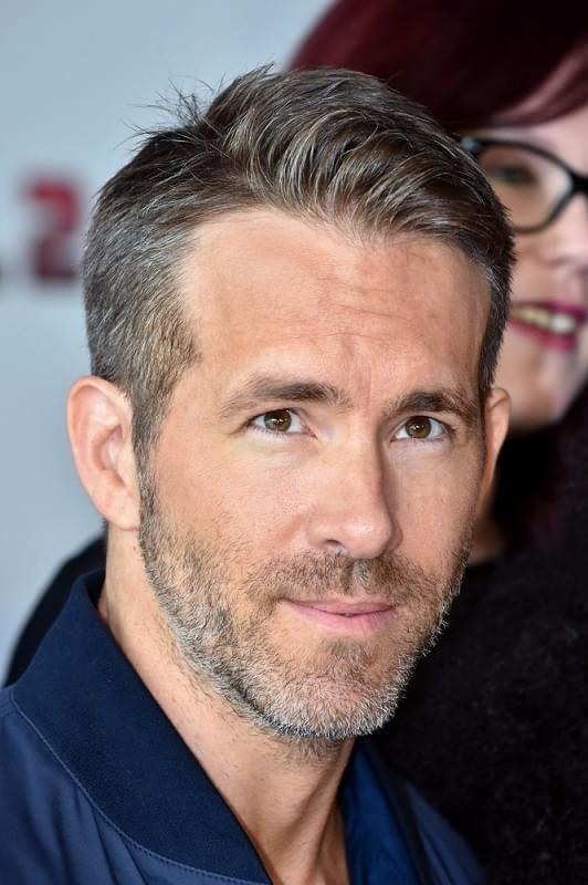'Deadpool' Ryan Reynolds lam dep the nao de giu phong do o tuoi 45 hinh anh 4