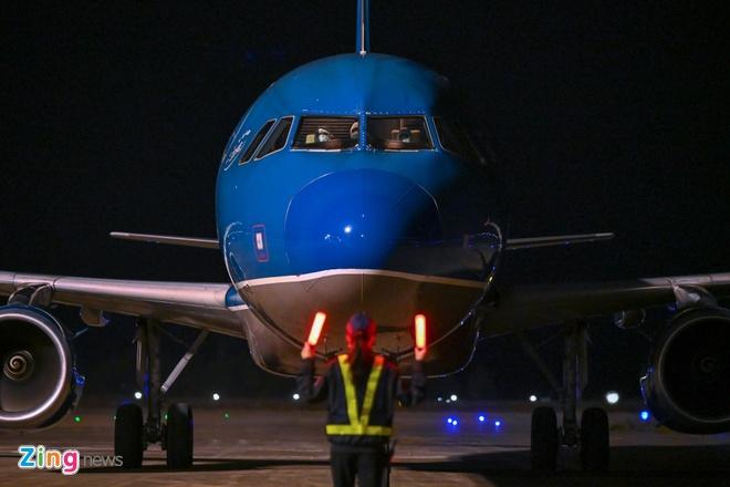 Hơn 400 hành khách từ Hàn Quốc xuống sân bay Vân Đồn