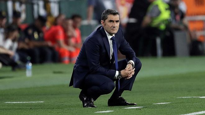 Barca nham nguoi thay the HLV Valverde hinh anh 1