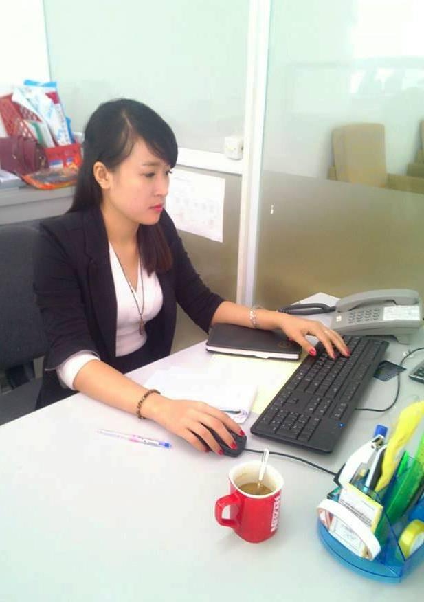 Ra Truong That Nghiep, Cu Nhan Ngan Hang Di Ban Cam Co Hinh Anh 3