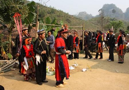 Nghi le 'mang toi' to tien co mot khong hai o Viet Nam hinh anh