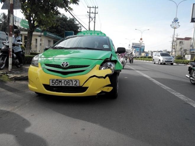 Taxi tong chet cong nhan dang cat tia cay xanh hinh anh