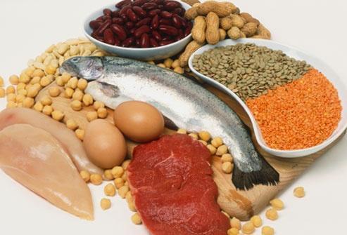 Cach an uong lanh manh khi mang thai hinh anh 1 Thịt, cá, trứng, ngũ cốc nguyên hạt là những thực phẩm giàu protein giúp tăng cường sức khỏe cho bà mẹ và thai nhi phát triển tốt.