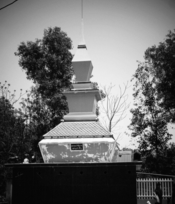 Lang mo 'vua san voi' ky bi o Tay Nguyen hinh anh 3 Mộ Ama Kông.