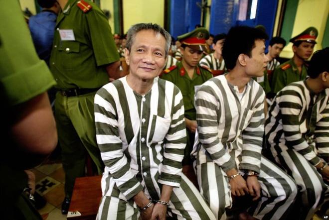 Nam Cam la 'dac tinh' cua cong an, mua chuoc bao chi hinh anh