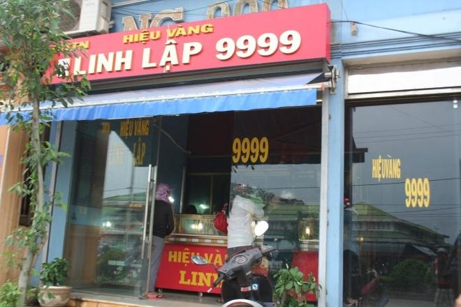 Tiệm vàng Linh Lập, nơi vừa xảy ra vụ đột nhập.