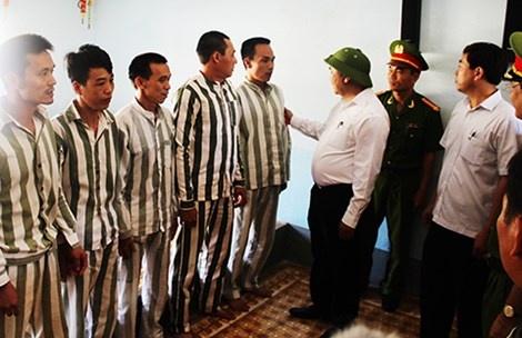 Ong Doan Van Vuon duoc de nghi dac xa hinh anh