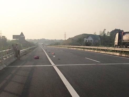 Tai xe Audi gay tai nan chet nguoi tren cao toc trinh dien hinh anh 3 Đoạn đường xảy ra vụ tai nạn.