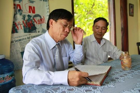 Bo Chinh tri dong y de Bi thu tinh uy Quang Nam thoi chuc hinh anh