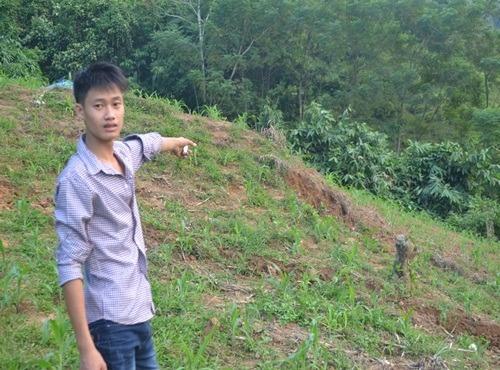 Bo chem chet con trai, phi tang sau nha hinh anh 2 Hiện trường nơi Thắng phi tang xác con trai.