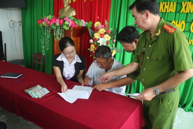 Cong an xin loi, boi thuong 300 trieu cho 'bi can 21 nam' hinh anh
