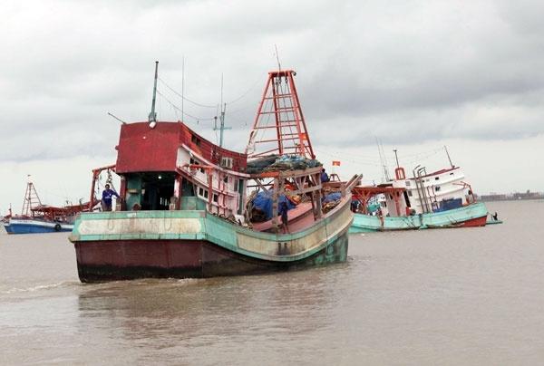 Tàu ngư dân Việt bị Cảnh sát biển Thái Lan bắn.