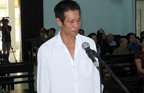 Giet nhan tinh cua vo, tron 11 nam cung khong thoat hinh anh 1 Bị cáo Nguyễn Tình trước vành móng ngựa.