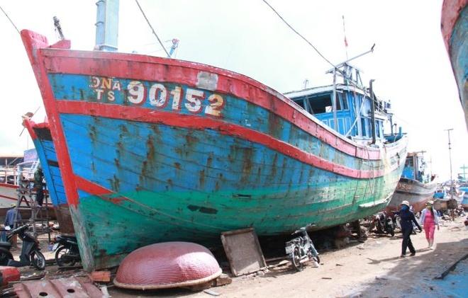 Bo hoang con tau 'lich su' bi Trung Quoc dam chim hinh anh 1 Do không được che chắn, bảo quản nên tàu DNa 90152 đang xuống cấp, hư hỏng.