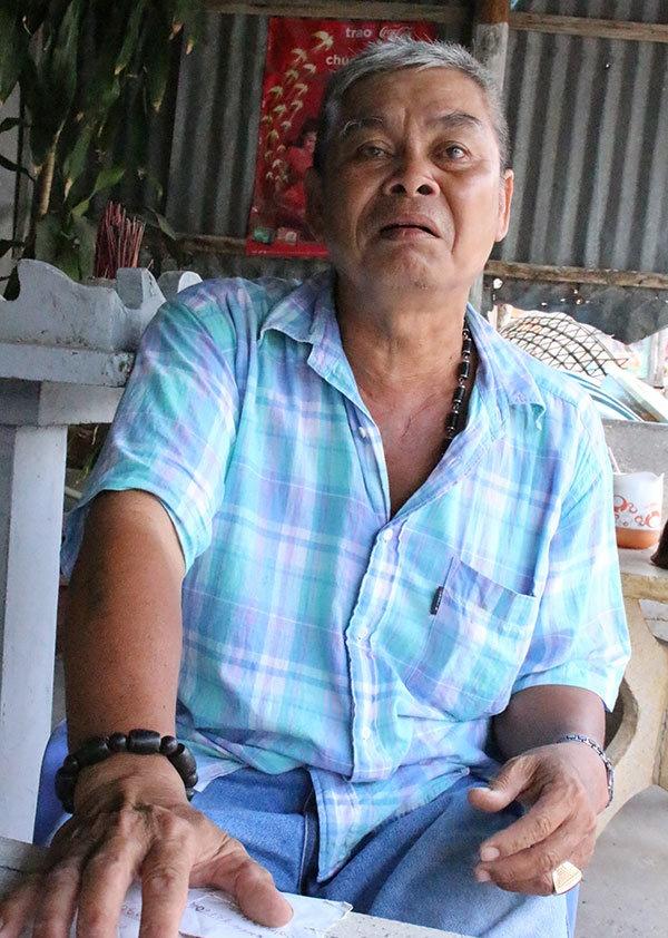 Tau ngu dan Song Doc lien tuc bi tau nuoc ngoai bat giu hinh anh 2 Chủ tàu Hồ Văn Thanh có tàu và con trai đang bị bắt giữ ở Thái Lan.