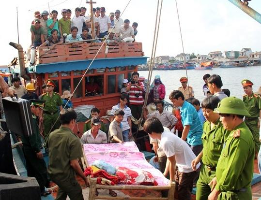 Viet Nam phan doi vu ban chet ngu dan o Truong Sa hinh anh 1