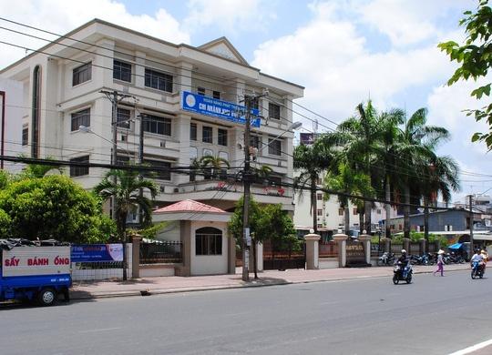 Dai gia thuy san tron truy na bi bat o Campuchia hinh anh 1 VDB Minh Hải một thời bị các đại gia thủy sản Cà Mau