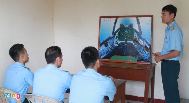 Ban linh si quan khong quan hinh anh 2 Bài học cơ bản về cấu tạo buồng lái máy bay.