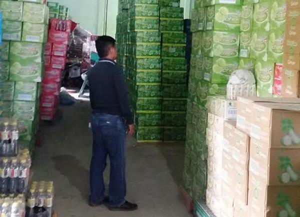 Bo Y te ly giai Tan Hiep Phat 'lot luoi' thanh tra hinh anh 2 Cà Mau vừa phát hiện 64 thùng Dr Thanh của Tân Hiệp Phát có cặn.