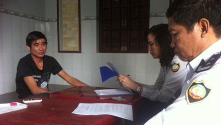 Phat 'than y' tri benh chui 40 trieu dong hinh anh 1 Ông Diệp luôn tỏ ra quanh co, ngoan cố khi làm việc với Thanh tra Sở Y tế tỉnh Bình Thuận.