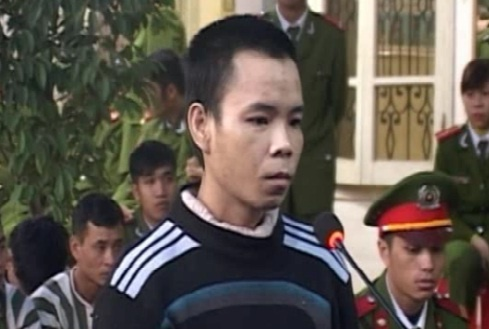 Xin ruou khong duoc, vac dao di giet nguoi hinh anh 1