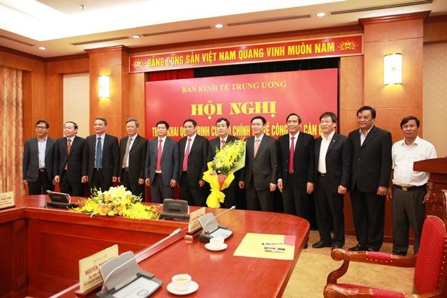 Ong Ngo Dong Hai lam Pho ban Kinh te Trung uong hinh anh 1