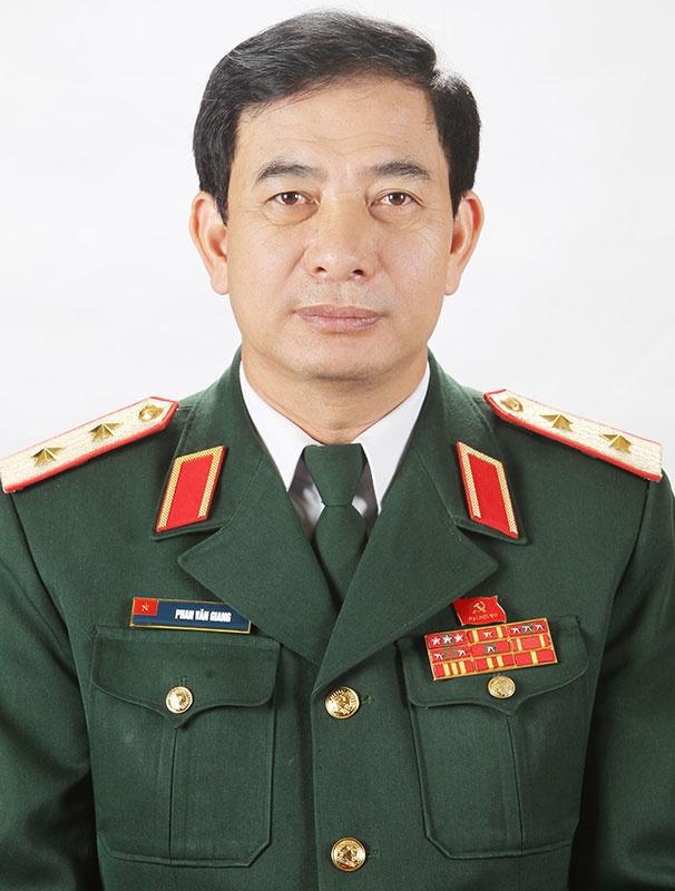 bo nhiem Thu truong Bo Quoc phong anh 1