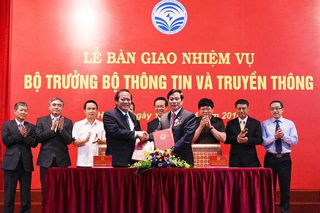 Tan Bo truong Truong Minh Tuan nhan ban giao nhiem vu hinh anh 1