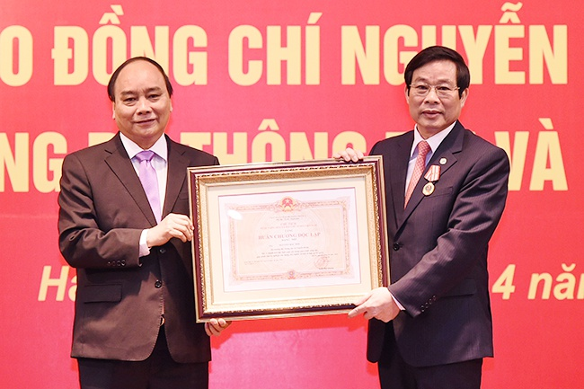 Tan Bo truong Truong Minh Tuan nhan ban giao nhiem vu hinh anh 2