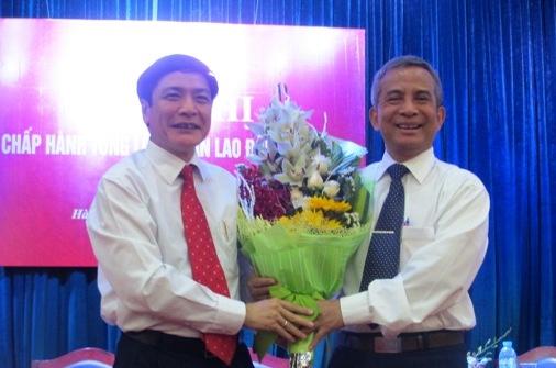 Ong Bui Van Cuong duoc bau lam Chu tich Tong LDLD Viet Nam hinh anh 2