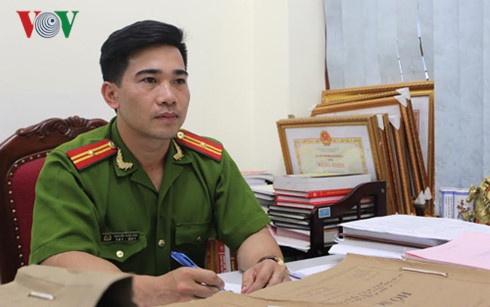 Canh sat hinh su ke phut truy bat ke ban Pho cong an phuong hinh anh 1