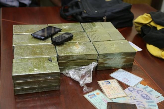 Dan giai trum mua ban 350 banh heroin tu Lao ve Viet Nam hinh anh