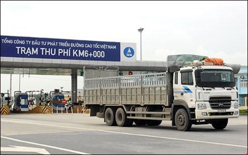 Nhieu xe bi tu choi phuc vu tren cao toc Noi Bai - Lao Cai hinh anh